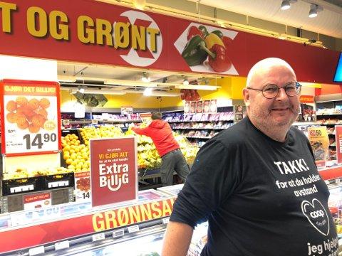 SOLID VEKST: Dagligvarebutikkene jubler over omsetningsøkning etter at grensehandelen har stanset opp under koronapandemien og mener dette er viktig for hele Narviksamfunnet: - Det har skapt mange nye arbeidsplasser, som igjen gir viktige skatteinntekter til Narvik, sier Finn Arne Haakonsen ved Extra Frydenlund.