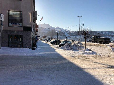 GOD PLASS: I Narvik er det for tiden lite pågang for parkeringsplasser.