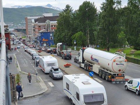 TUNGT BERLASTET: – Det er en kjensgjerning at kapasiteten på dagens E6 gjennom Narvik er nær bristepunktet, sier Mona Fagerås (SV).