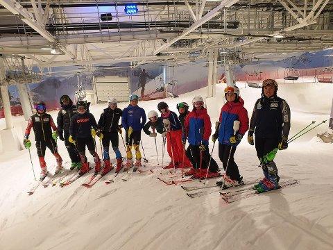 PÅ PLASS: FFA-alpinister i den nye SNØ-hallen i forrige uke.