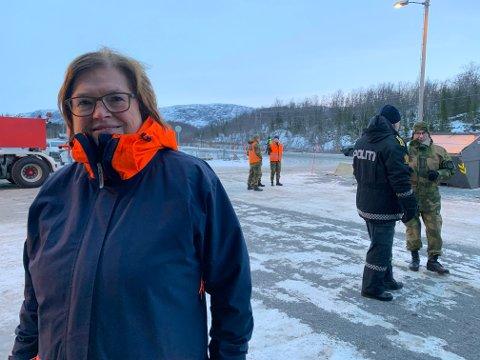 VENTER: Iris Bartholsen regner med at det kommer en bestilling om at alle som passerer teststasjonen på Nygårdsfjellet, skal undersøkes for smitte.