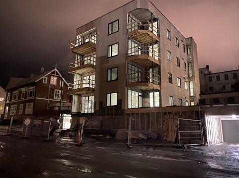 KARANTENEBRUDD: Det er tatt en beslutning i saken der et byggefirma ble anmeldt for brudd på smittevernforskriftene.