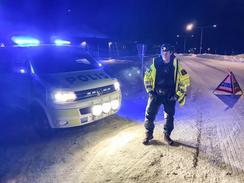 STENGT: Det blir lenge til du kan passere grensen til Sverige igjen.