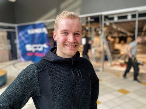 Christian Os Øverland (25) blir sjef for den nye sportsbutikken på Narvik storsenter.