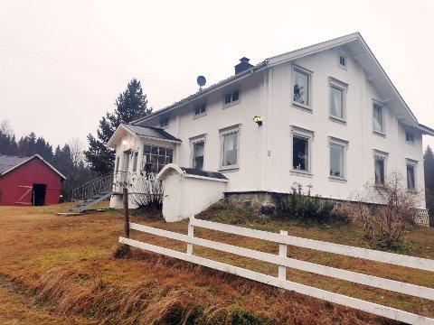 Her er hovedhuset på gården som skal brukes til innspillingen av årets Farmen. Stedet ligger på grensa mellom Hurdal og Østre Toten.