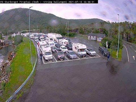 Her er køen ved Skarberget klokken 16.30 fredag.