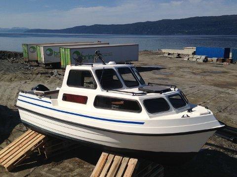 STJÅLET: Denne båten av tyven Hansvik 18 kombi ble stjålet fra Ankenes natt til torsdag.