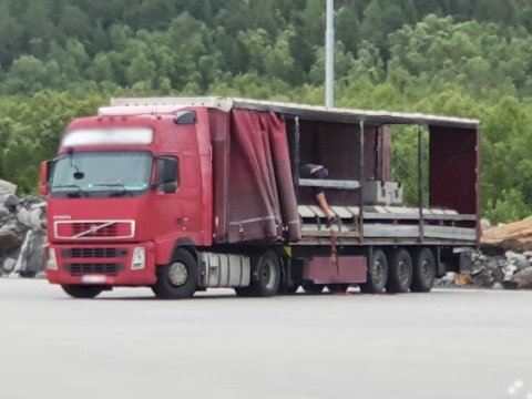 STOPPET: Denne traileren fikk torsdag kveld kjøreforbud.