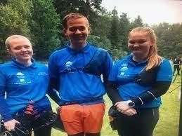 TRAFF GODT: Tinden bk sine unge landslagsutøvere i bueskyting. Fra venstre Elin Kristiansen, Torje Ludiksen og Amalie Storelv.