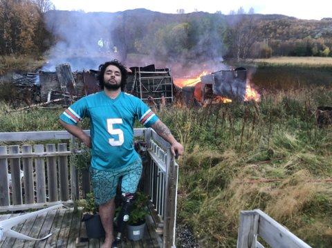 BRÅVÅKNET: Daniel Wellington bråvåknet da brannvesenet ringte ham klokken kvart over fem torsdag morgen.