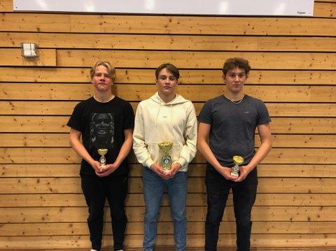 PÅ PALLEN: Narvik atletklubb-trioen fra venstre Iver Borgen, Noah Normann og Benjamin Sjamojev-Larsen.