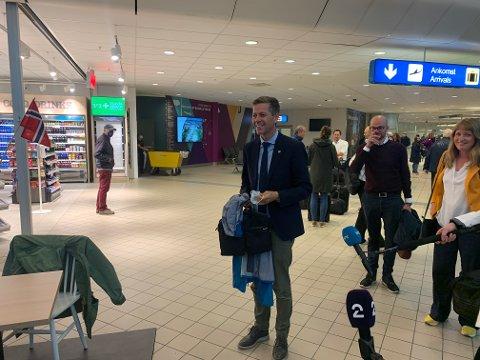 Gliste: Knut Arild Hareide hadde penger med seg i bagasjen da han kom til Bodø tirsdag.