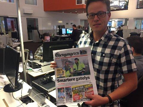 PÅ FORSIDEN: Lars Christian Buraas i Tønsbergs Blad viser hvordan den nye annonselappen vil se ut på forsiden.
