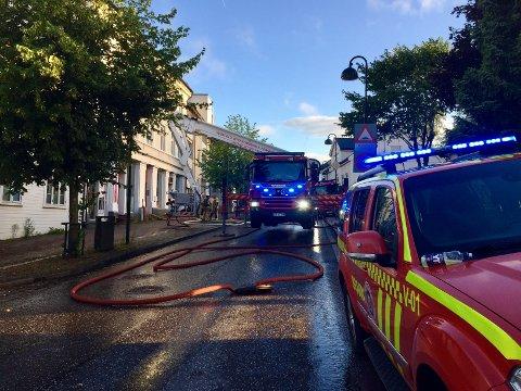 ETTERFORSKES: Det brant i bygården i Storgata 56 i Horten 7. august.