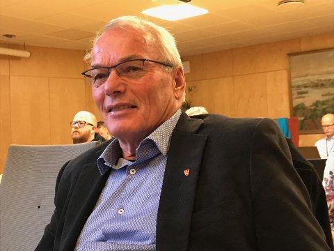 MYE GJELD: – Kommunen bør søke muligheter for å redusere gjeld, sier kontrollutvalgets leder Jan Nærsnes i kommunestyret.