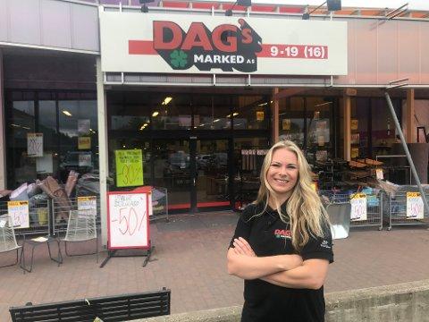 DAGLIG LEDER: Janne Strømnes ved Dags Marked i Horten.