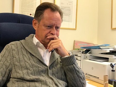 BETENKT: Og ikke minst bekymret. - Situasjonen for pasienter som får nei til arbeidsavklaringspenger er alvorlig og nedverdigende, mener fastlege Sjur Rød-Larsen i Åsgårdstrand.