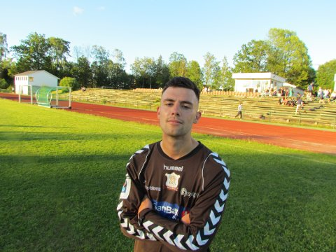 AVGJØRENDE SCORING: Artan Brovina satte inn 2-0-målet på et frispark fra nesten 30 meter.