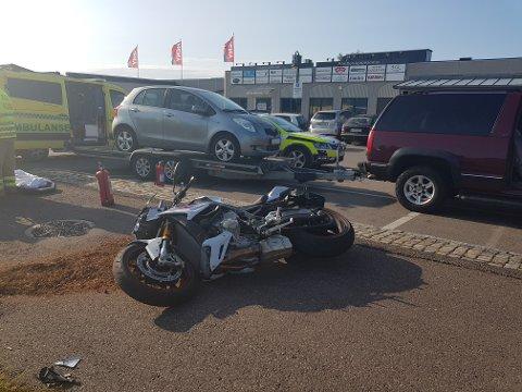 Motorsykkelen skal være ødelagt etter en ulykke vis a vis Paletten i Åsgårdstrand