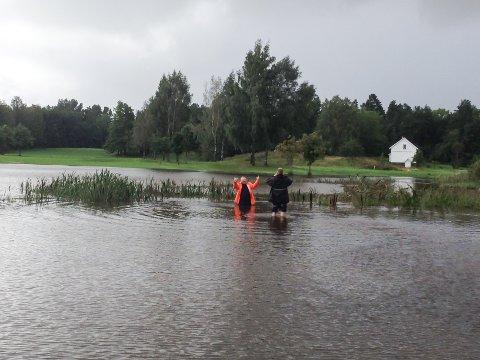 OVERSVØMMELSE: Slik ser det ut på deler av Borre Golfbane når det kommer mye nedbør. Klubben mener vann på nabotomta bidrar til problemet.