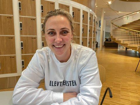 STORTRIVES: Som miljøarbeider ved Horten videregående skole, synes Lisen C. Boberg-Nilsen at hun har kapret drømmejobben.