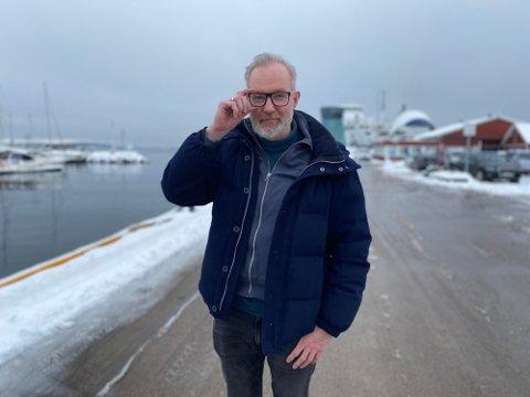SAMMENSATT: Kommuneoverlege Niels Kirkhus peker på flere årsaker til at innvandrere er overrepresentert i smittestatistikken.
