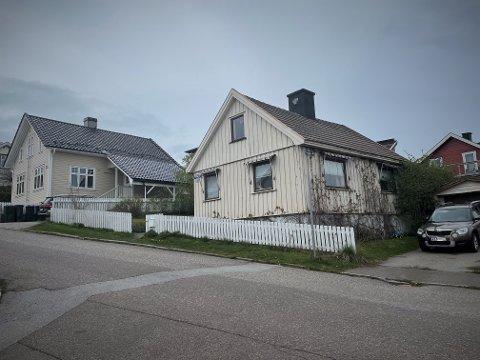 I BAKKEN: Boligen i Prestegata 12 ble satt opp tidlig i forrige århundre. Dagens eiere kjøpte det for å rive og bygge nytt.