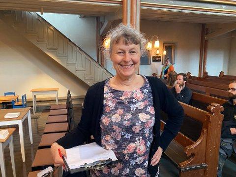 TAKKNEMLIG: Kirkeverge i Horten, Hanne Wendt, er glad for at renoveringen av Horten kirke omsider er ferdig. Noen av de mange håndverkerne som har vært involvert, har virkelig fått utfordre seg.