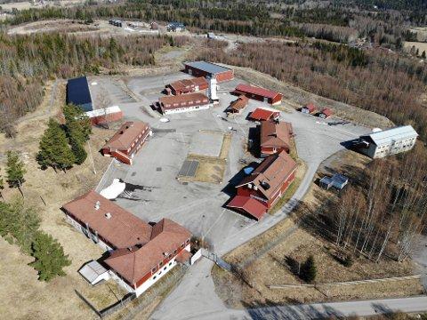 SOLGT: 7867 kvadratmeter bygningsmasse har skiftet eier, siden Hof fengsel nå er solgt. Foto: Ulrikke G. Narvesen
