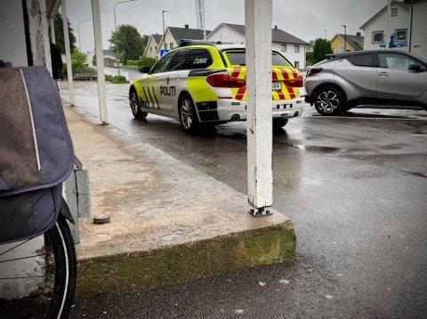 GRØNLIGATA: Sammenstøtet skal ha skjedd da bilen kjørte ut av parkeringsplassen på Rema 1000.