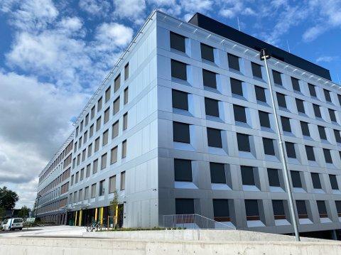 NYBYGG: Sykehuset i Vestfold har tatt over det nye sykehusbygget. Men byggeprosessen kom ikke uten utfordringer, selv om det endte så godt ...