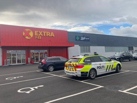 KJØRT HJEM: En gutt ble kjørt hjem av politiet etter at han angivelig skal ha gjennomført tre butikktyverier på like mange dager.