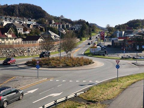Nye veier ser for seg firefelts vei og 110 kilometer i timen. De ser for seg en nær halvering av meter bro og lengde på tunnel for strekningen E39 Ålgård - Hove.