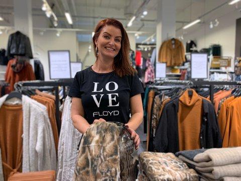 Annette Sviland Gilje har satt i gang kronerulling for å redde klesbutikken Floyd og Me Amore på Amfi Ålgård.