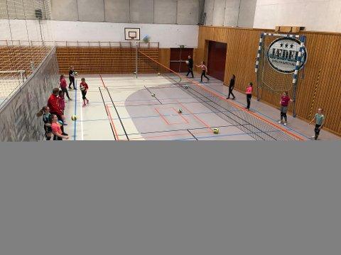 Gjesdal volleyball satser på å ha i gang et lag for jenter i 5.-7. klasse til høsten.