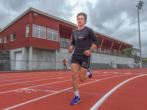 Sivert Wiig planlegger flere økter på det nye friidrettsanlegget på Solås.