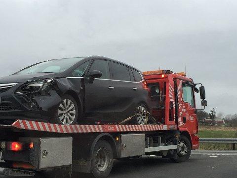 Tre biler var involvert i et trafikkuhell på E39 ved bråstein onsdag ettermiddag.