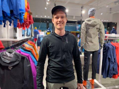 Så langt i mai har butikksjef Roald Vølstad Jensen opplevd en 100 prosent økning sammenlignet med fjoråret.