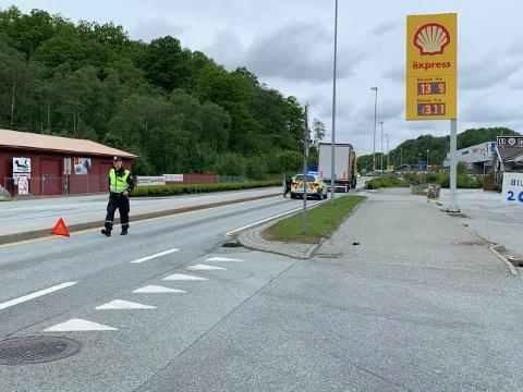 En lastebil har fått motorstans på E39 over Myrå.