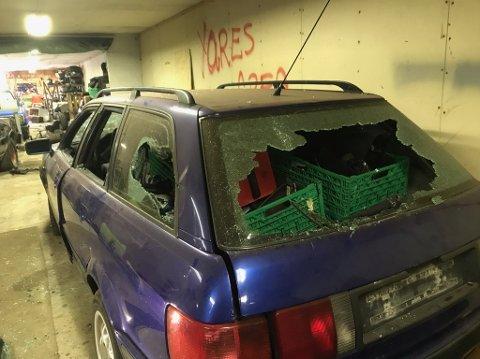 En eller flere tyver stjal og ødela verdier for nærmere 300.000 kroner i to mekkelokaler på Indre Lima i sommer. Politiet står uten spor i saken.