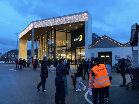 Kundene ble evakuert da brannalarmen gikk på Amfi Ålgård litt før klokken 18 fredag ettermiddag.