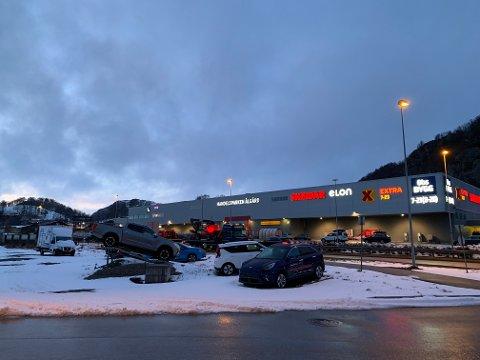 Denne næringstomta ved E39, på motsatt side av Ålgård Handelspark, ønsker Ålgård-søsknene at skal få nytt liv.