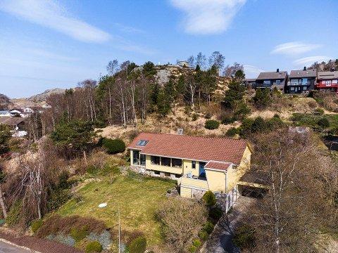 Ingeborg og Bjørn Øfstaas startet å bygge huset sommeren 1970 og flyttet inn året etterpå. 50 år senere tar nye eiere over.