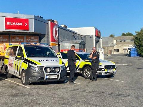 Søndag kveld foregikk det en biljakt på Ålgård. Biljakten er nå avsluttet, men det letes fortsatt etter bilisten.