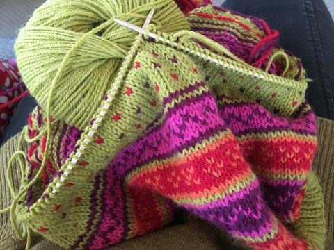 Strikkekafé: Ta med strikketøy eller annet håndarbeid og møt opp på Gyldenborg.