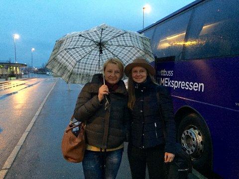 SISTE: Aiste Baltramaityte og Rasa Baltramaityte var de aller siste som kom med Timesekspressen til Kongsvinger i kveld.