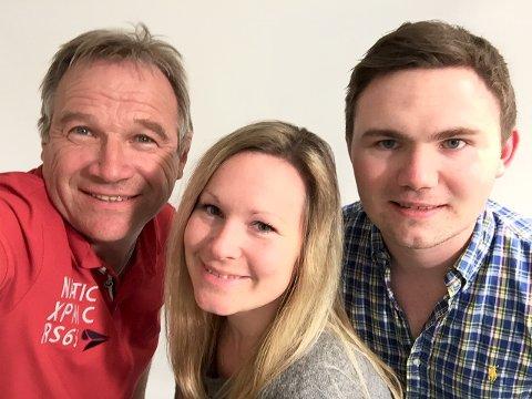 – TA KONTAKT!: Vi er på jobb i distriktet denne helga. Fra venstre: Ole-Johnny Myhrvold, Martha-Lill Nordby Hansen og Henrik Holter