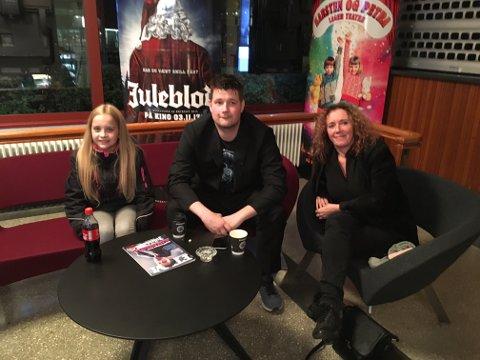 Skuespiller Ingvild Flikkerud fra Nord -Odal, regissør Reinert Kiil og skuespiller Anita Ihler fra Skarnes.