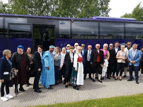 I FINSTASEN: Ordfører Sjur Strand og 23 andre gjester tok turen fra Kongsvinger.