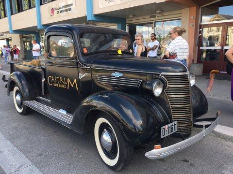 BOT-MISS: Veteranbilen skulle aldri fått parkeringsbot, da Sommertoget kom til byen.
